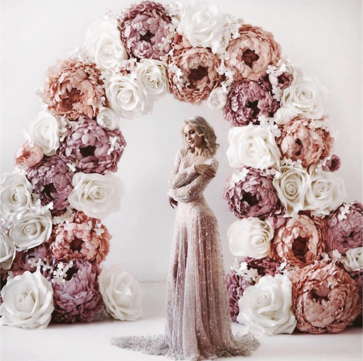 Wedding Arches With Flowers: 10 Best Wedding Arch Styles Of All Time