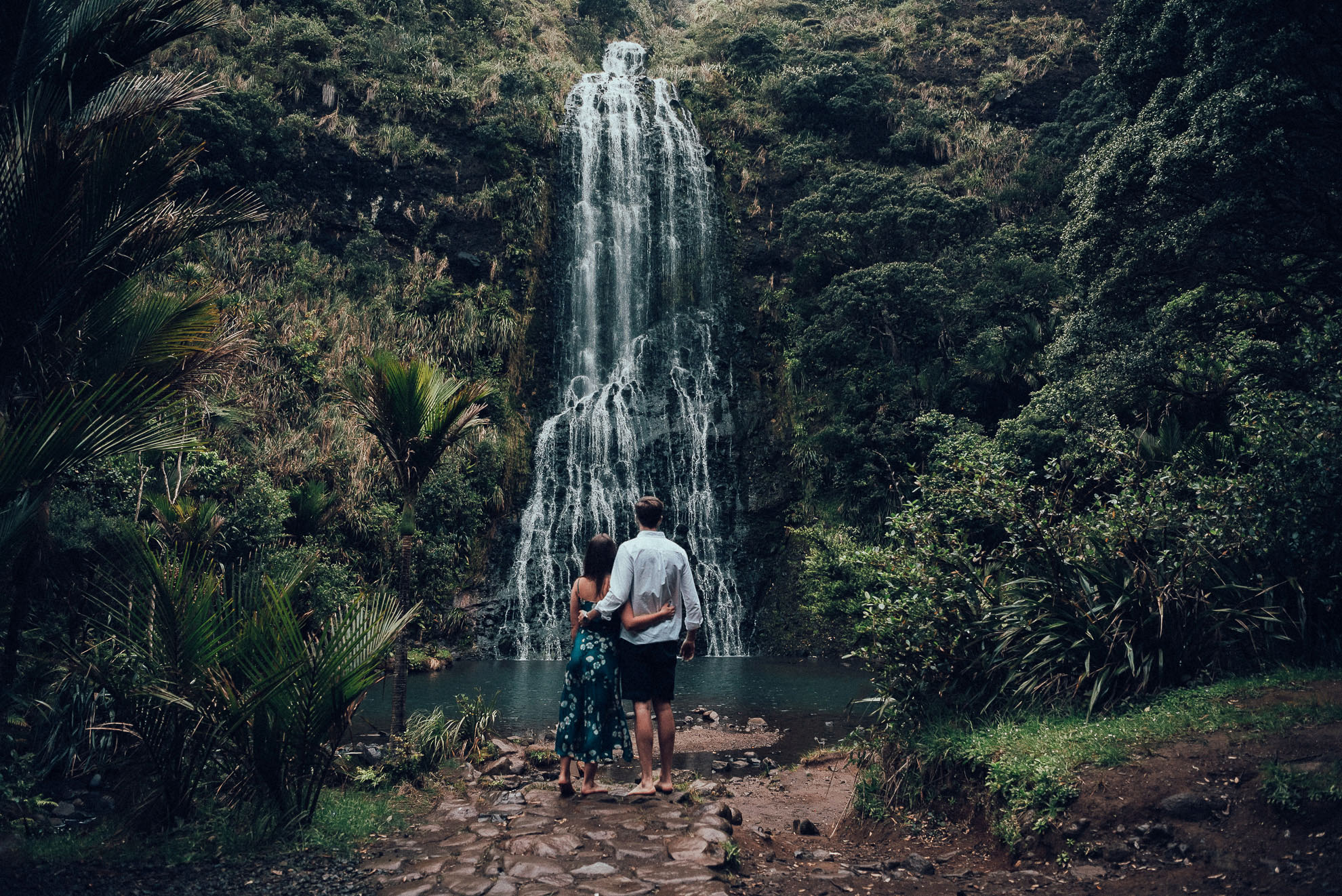 karekare, engagement shoot, couple, romance, waterfall